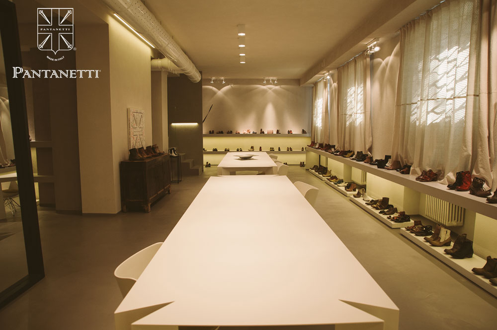 showroom011